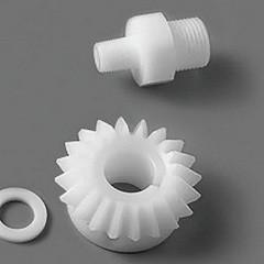 Изготовление пластиковых изделий и деталей литьем в форму, токарным способом, фрезеровкой